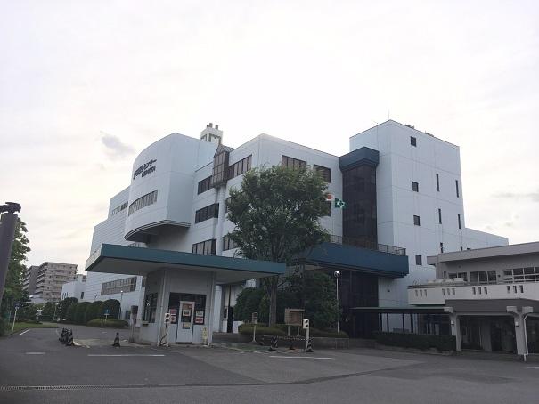 延命化(長寿命化)工事を行う衛生センター施設(し尿処理施設とごみ処理施設。右は事務棟)