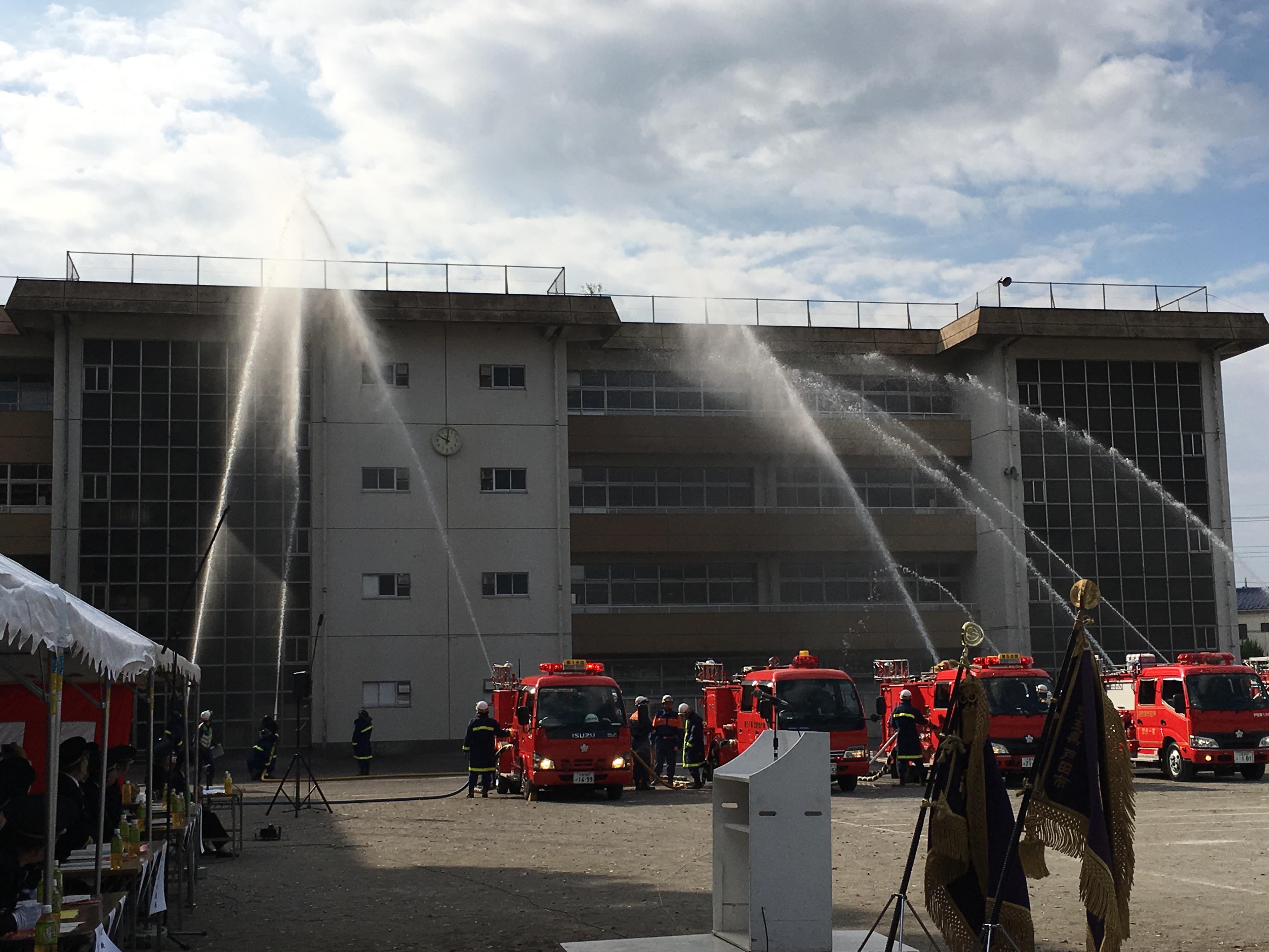 消防団の放水試験